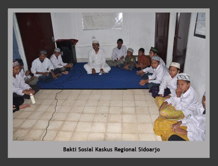 Bakti Sosial Kaskus Regional sidoarjo di panti asuhan