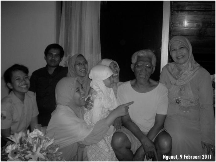 yanti-family-100-grayscale